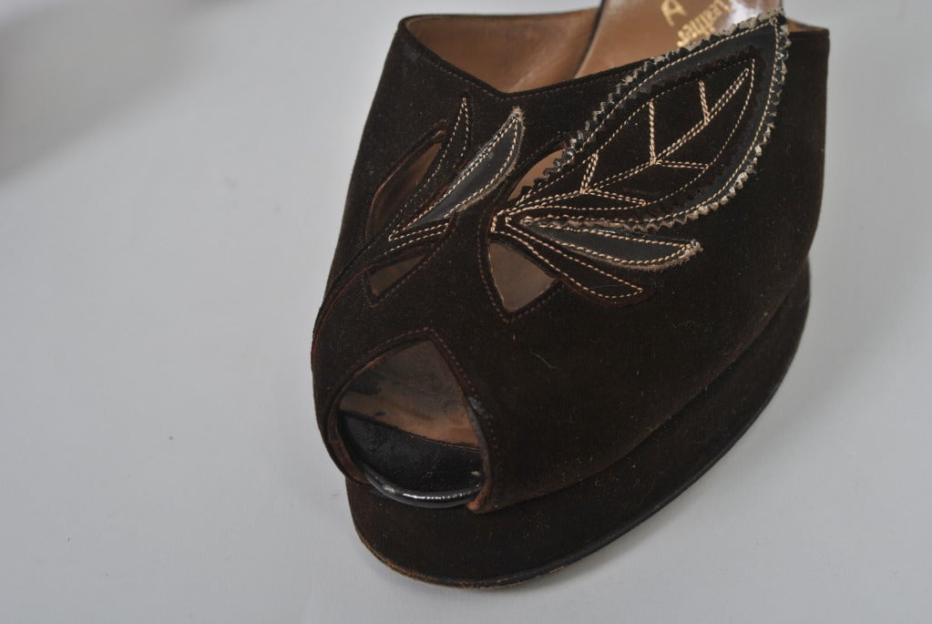 1940s Brown Suede Platform Shoes, 7M In Excellent Condition For Sale In Alford, MA