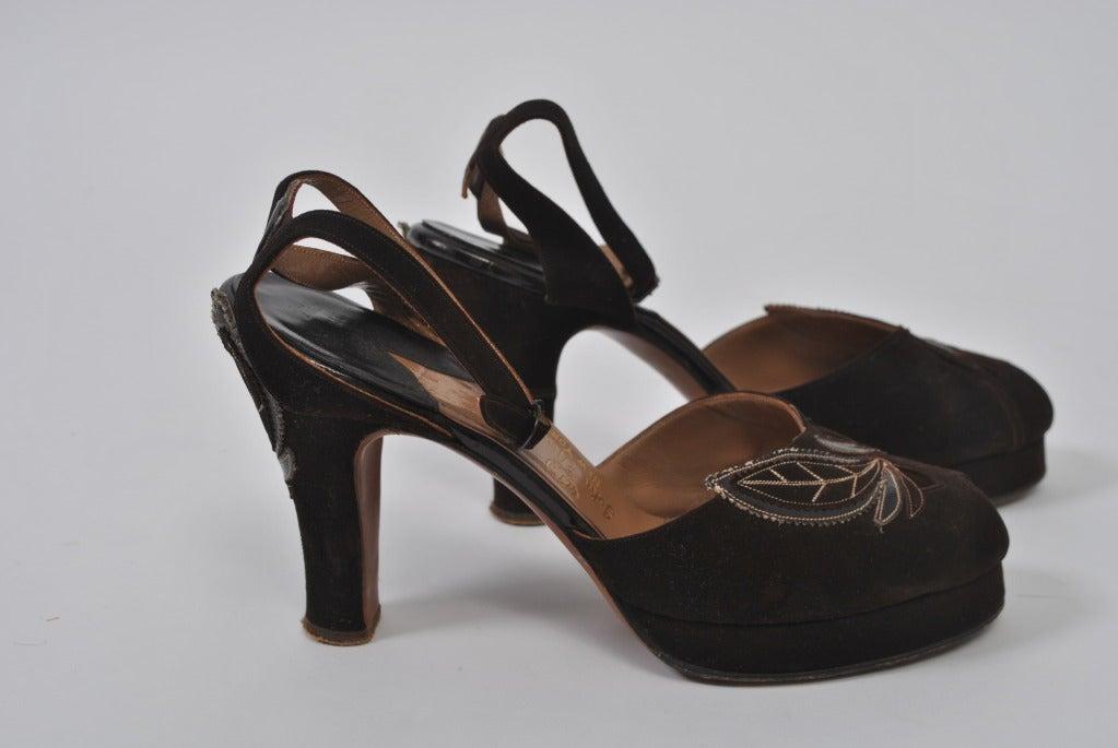 1940s Brown Suede Platform Shoes, 7M For Sale 1