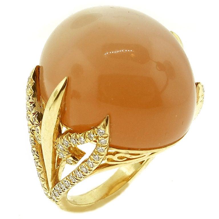 Henry dunay cat 39 s eye tangerine moonstone ring at 1stdibs for Cat s eye moonstone jewelry