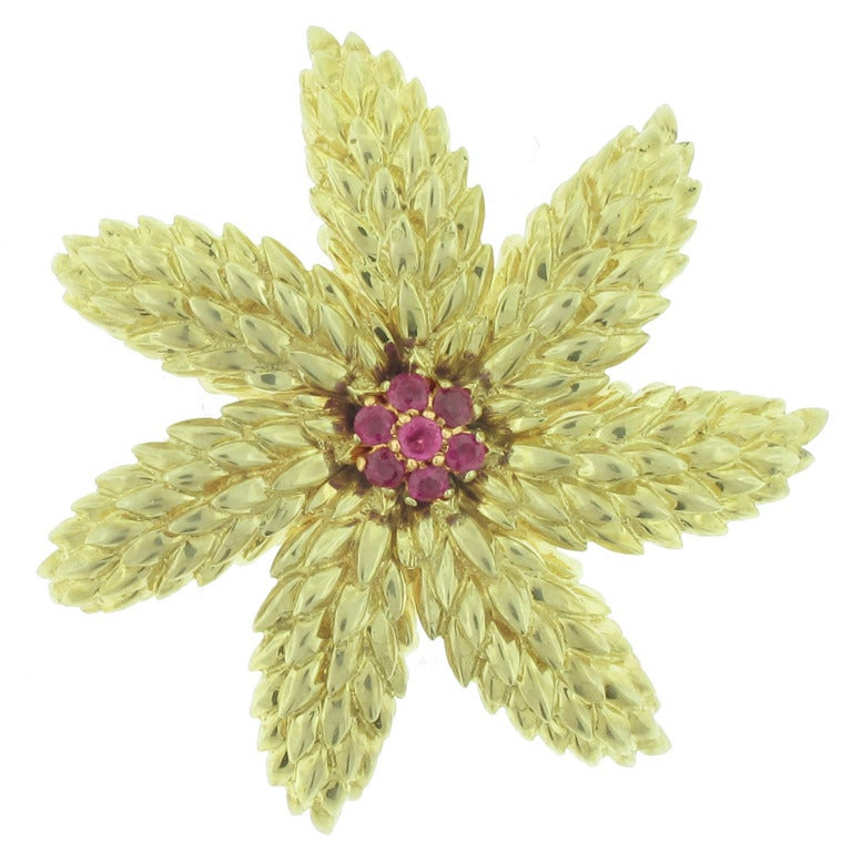 3ed5417ad1a Tiffany and Co. Ruby Gold flower Brooch For Sale at 1stdibs