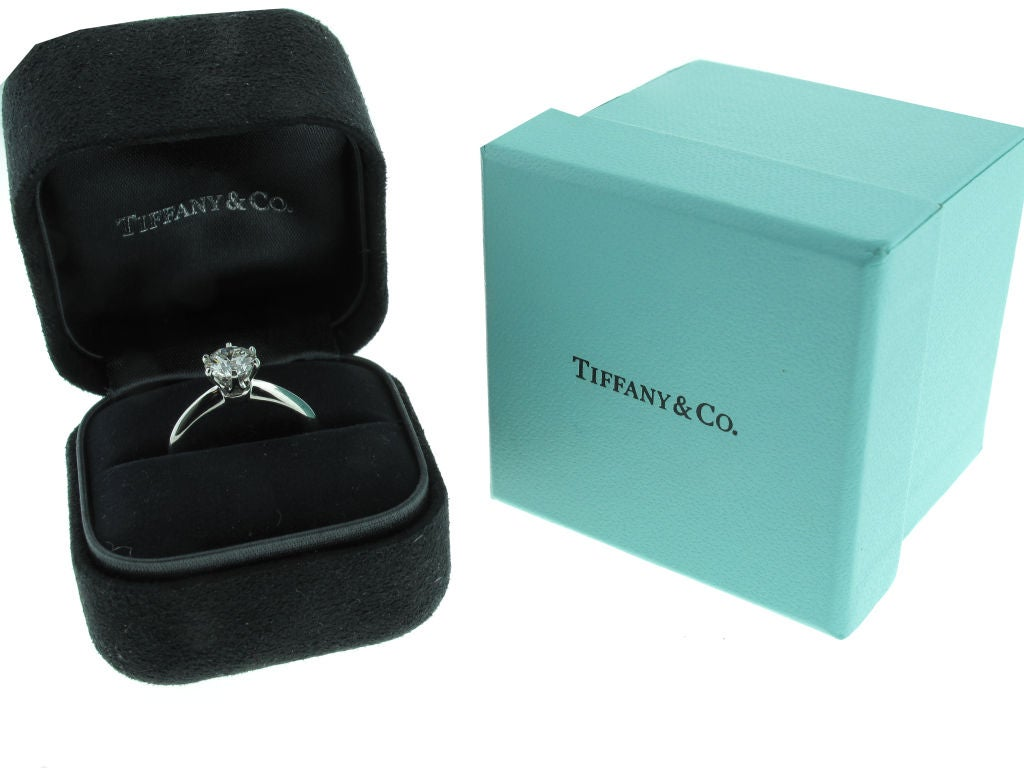 Tiffany Clic Diamond Engagement Ring Image 3