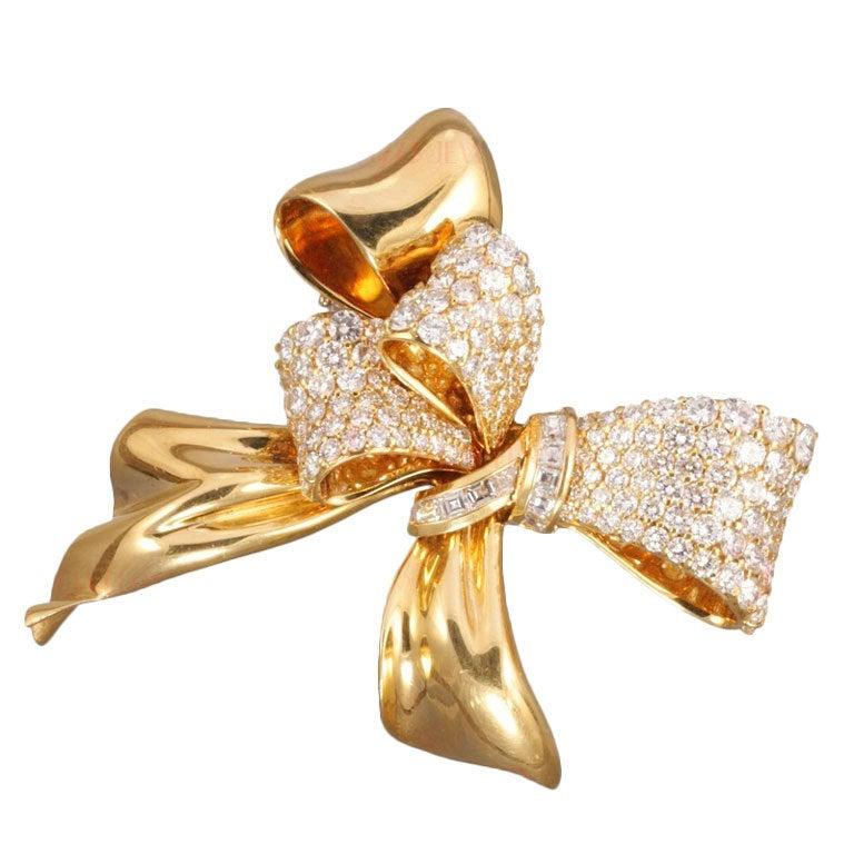 Chaumet Diamond Yellow Gold Bow Brooch