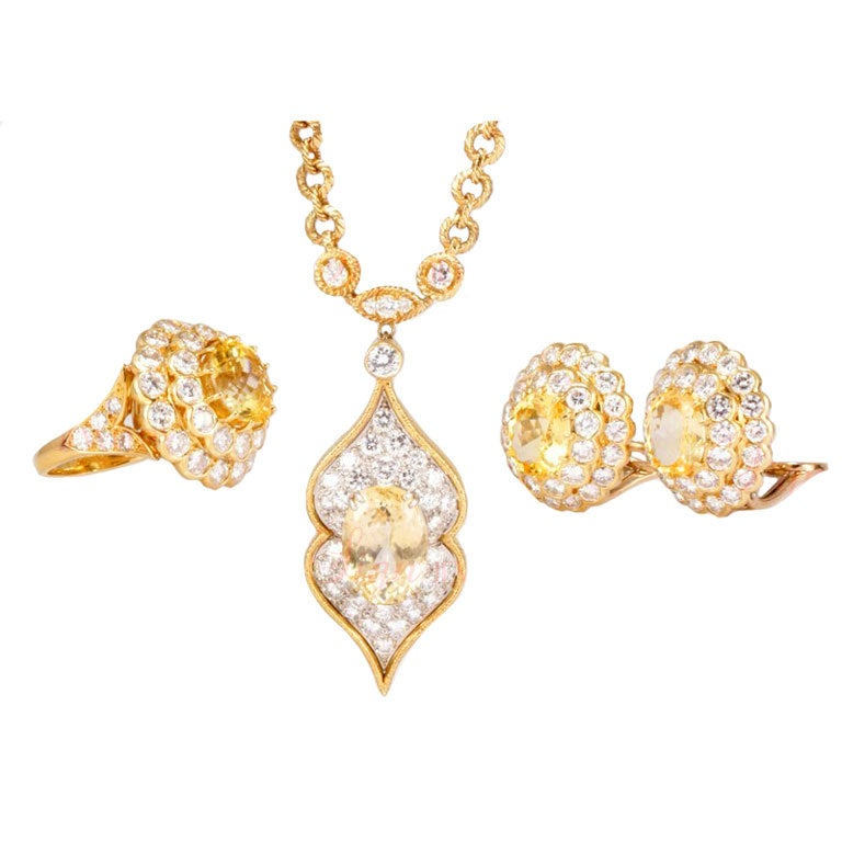 VAN CLEEF & ARPELS Lucille Ball's Estate Yellow Gold Jewelry Set