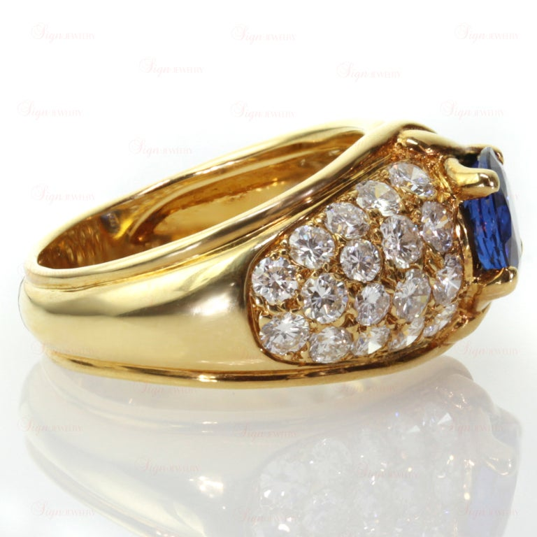 VAN CLEEF & ARPELS Blue Sapphire Diamond Yellow Gold Ring In Excellent Condition For Sale In New York, NY