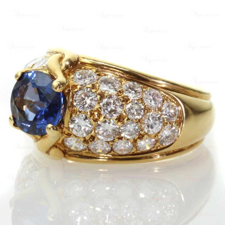 Women's VAN CLEEF & ARPELS Blue Sapphire Diamond Yellow Gold Ring For Sale