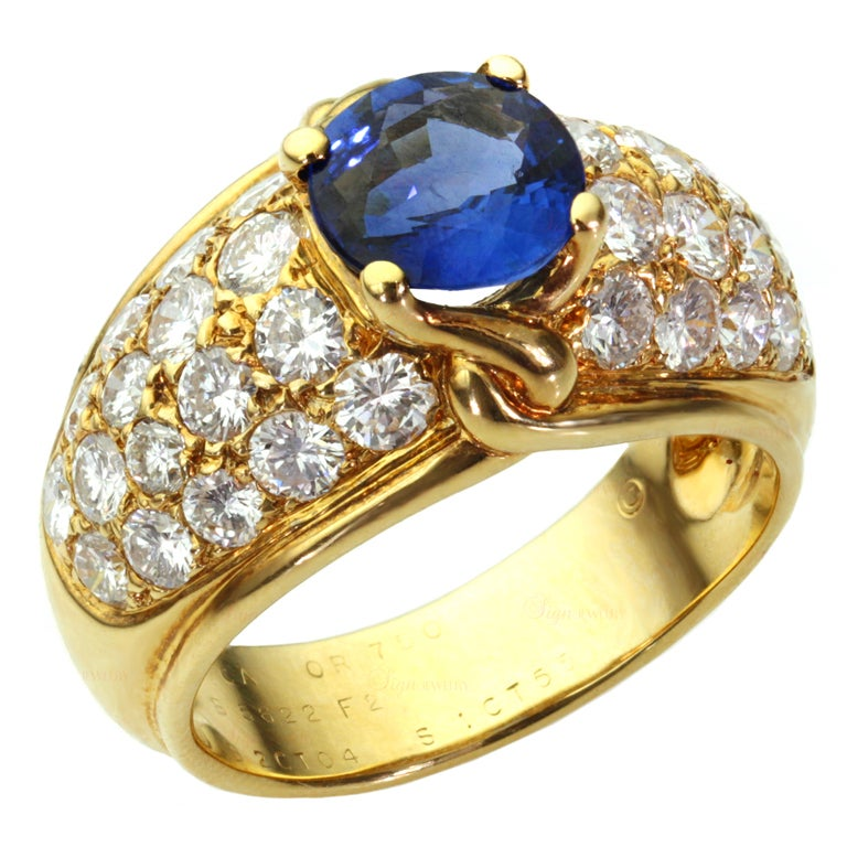 Van Cleef & Arpels Blue Sapphire Diamond Yellow Gold Ring