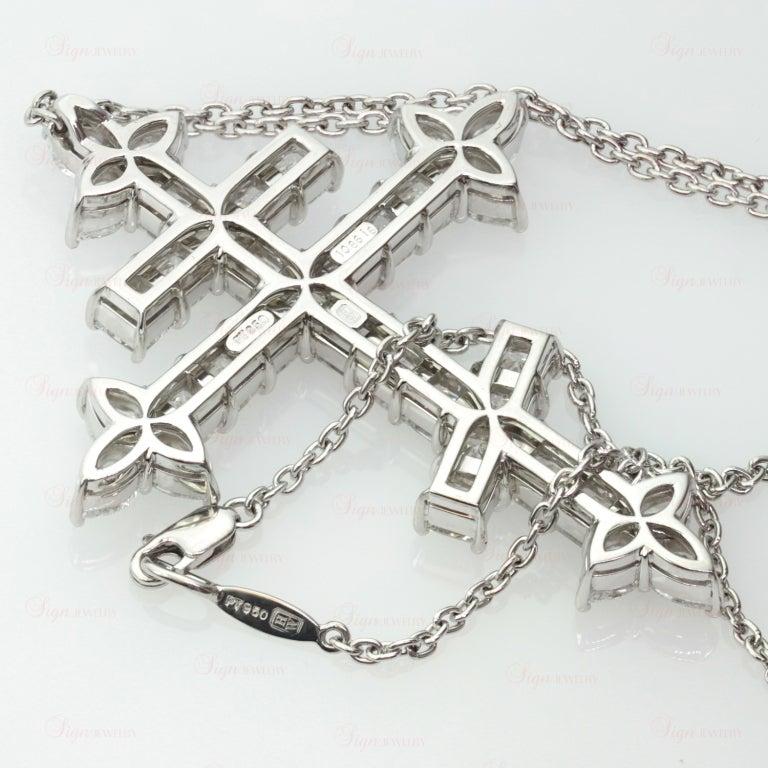 Important Harry Winston 10.86 Carats Diamond  Orthodox Cross Pendant Necklace 5