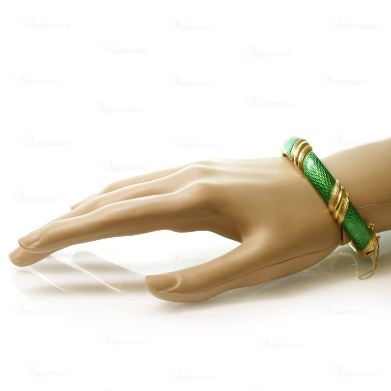 Women's Tiffany & Co. Green Enamel Yellow Gold Striped Bangle Bracelet For Sale