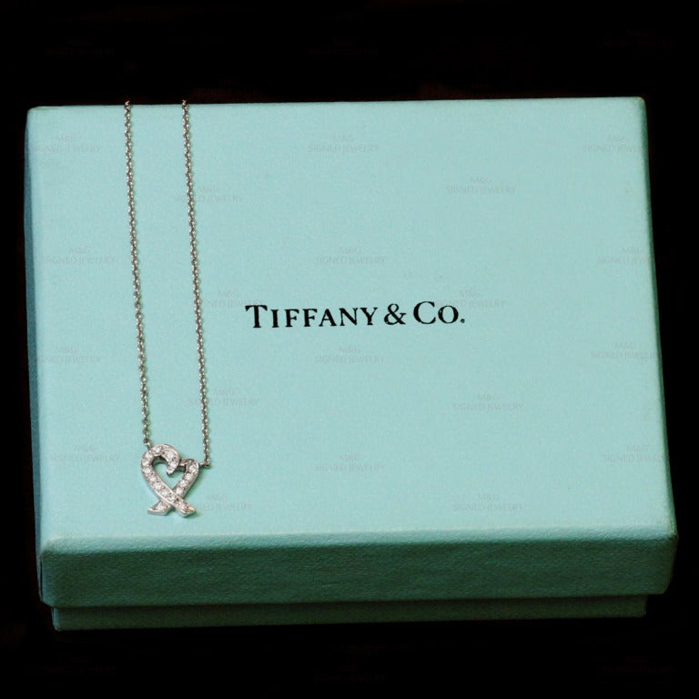TIFFANY & CO. Loving Heart Diamond Platinum Pendant Necklace In Excellent Condition For Sale In New York, NY