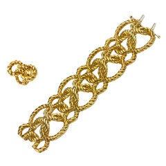 VAN CLEEF & ARPELS Yellow Gold Bracelet and Ring Set