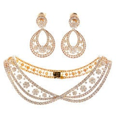 VAN CLEEF & ARPELS Diamond Gold Necklace and Earrings