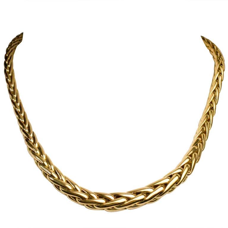 GOLD CAPLAIN NECKLACE
