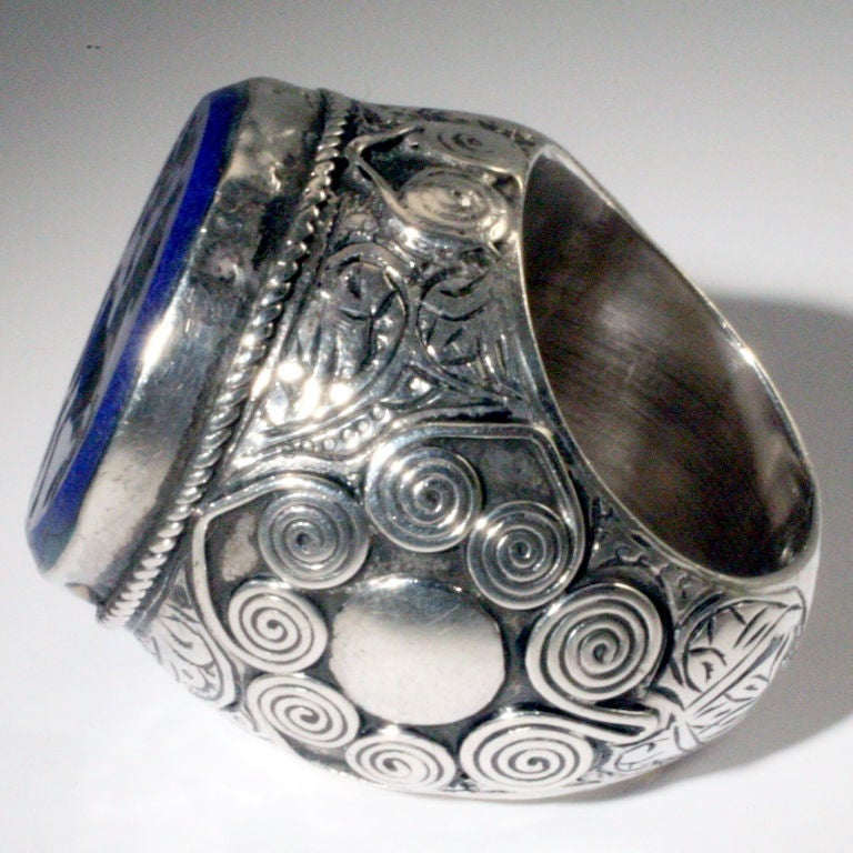 Lapis Signet Ring In Excellent Condition For Sale In New York, NY