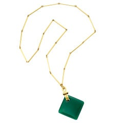 ALDO CIPULLO A Gold and Chrysoprase Necklace