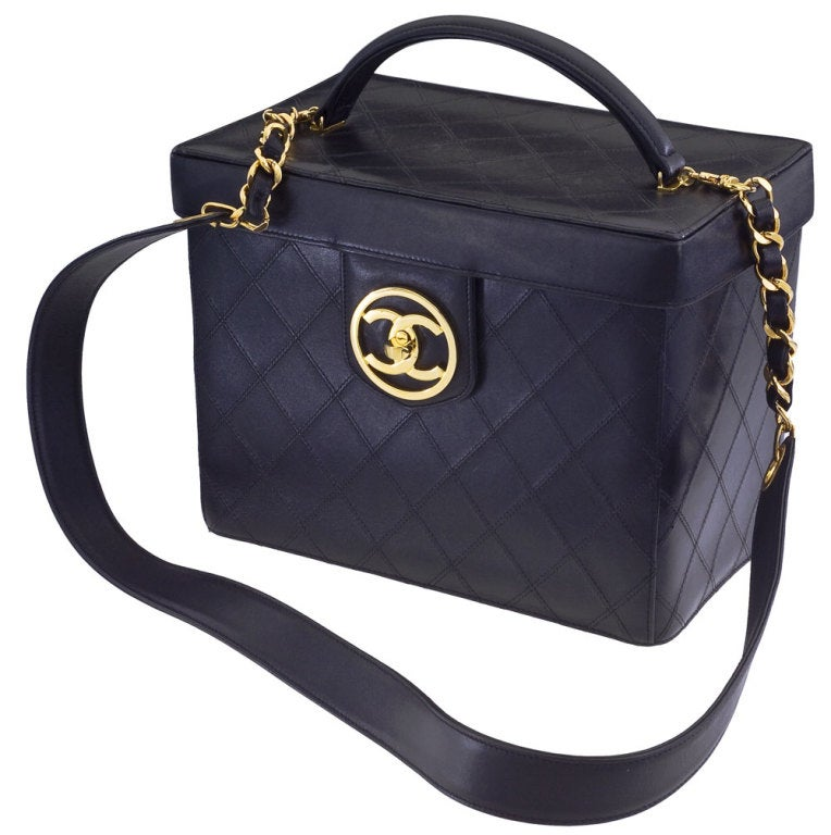 Chanel Quilted Vanity Case Bag 3
