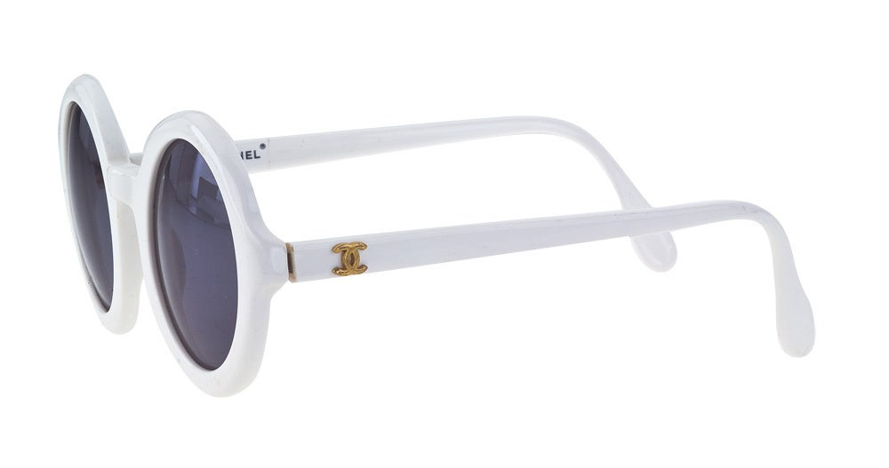 CHANEL WHITE ROUND SUNGLASSES image 2