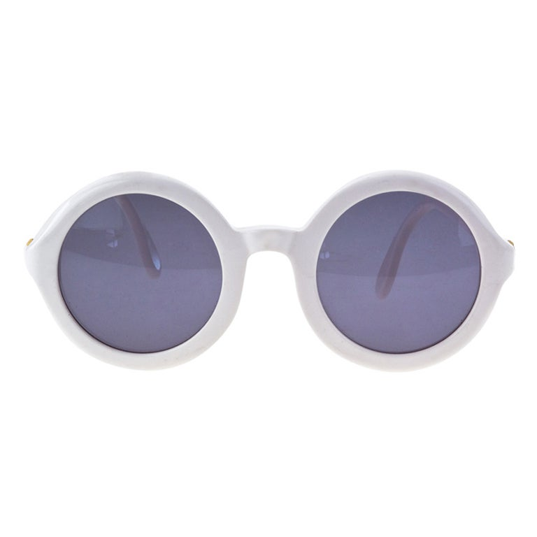 CHANEL WHITE ROUND SUNGLASSES