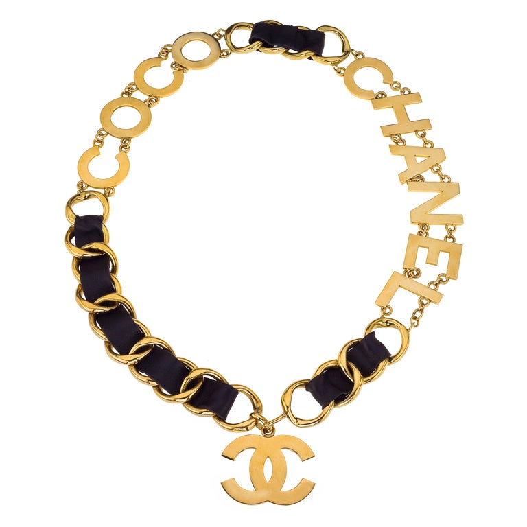 chanel massive coco chanel belt necklace at 1stdibs. Black Bedroom Furniture Sets. Home Design Ideas