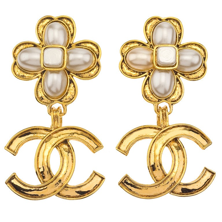 Chanel Clover Motif Dangling Earrings with CC and Pearl 1