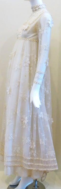 Vintage Bohemian Bride Daisy Applique Wedding Dress 3