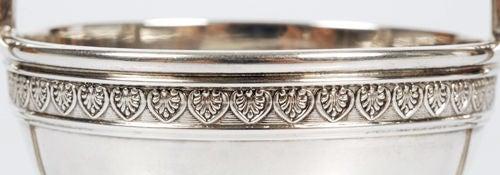 Elegant Antique Fabergé Silver Two-Handled Salt by Alexander Wäkevä In Excellent Condition For Sale In Redmond, WA