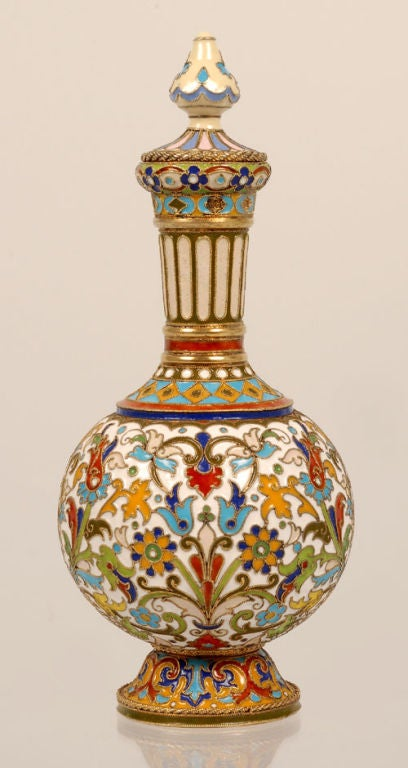 Rare Early Antique Russian Cloisonné Enamel Standing Perfume Flask by Rückert  In Excellent Condition For Sale In Redmond, WA