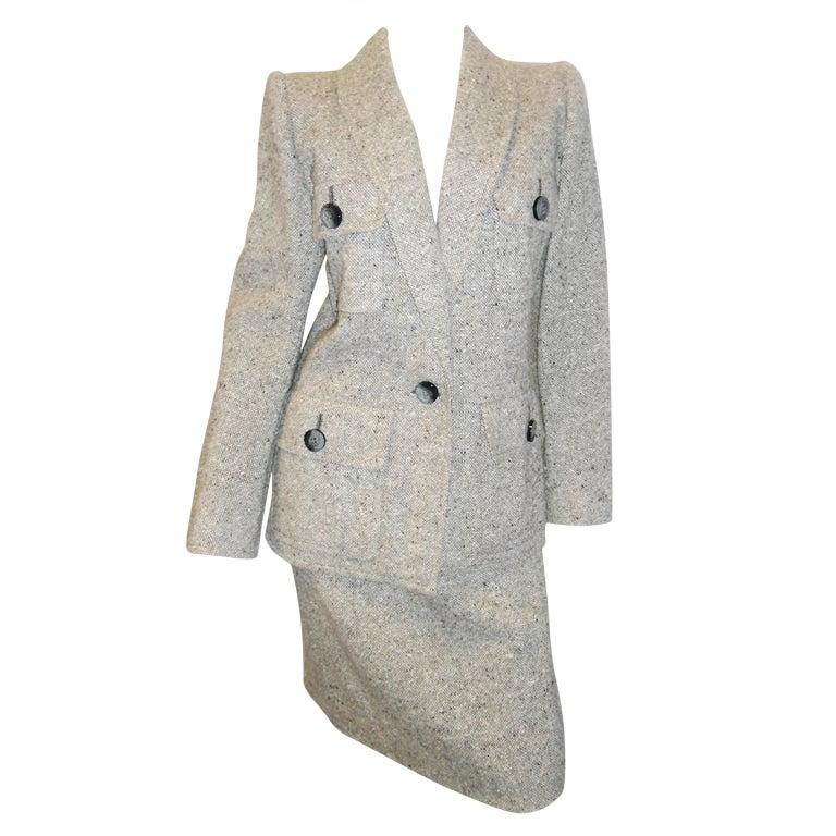 Yves saint laurent haute couture power tweed suit 1970 39 s for Haute couture suits