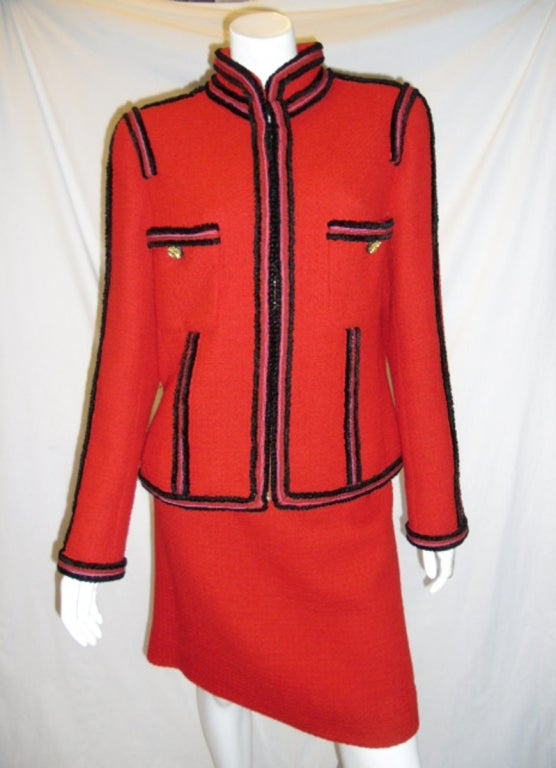 Chanel  red boucle suit  Collection 2009   sz 46 2