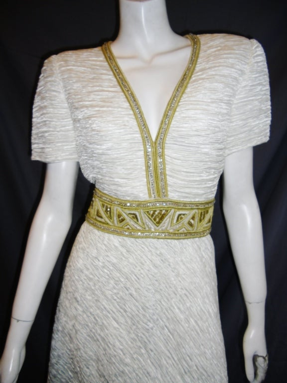 Mary Mcfadden White pleat Gown with Gold Embellishments sz 10 5