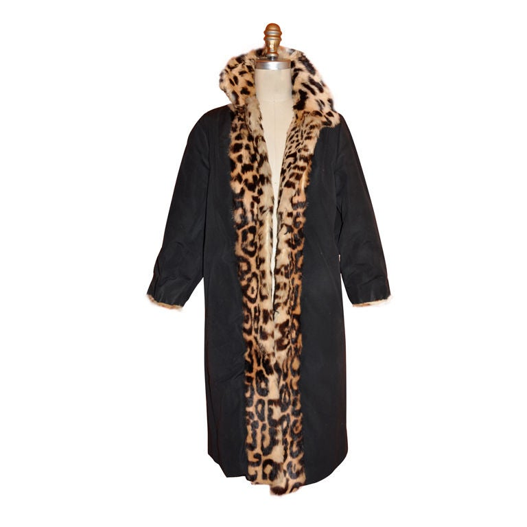 006cbdf3fdfe Reversible Fur Leopard Print and Black Taffeta evening coat. For Sale