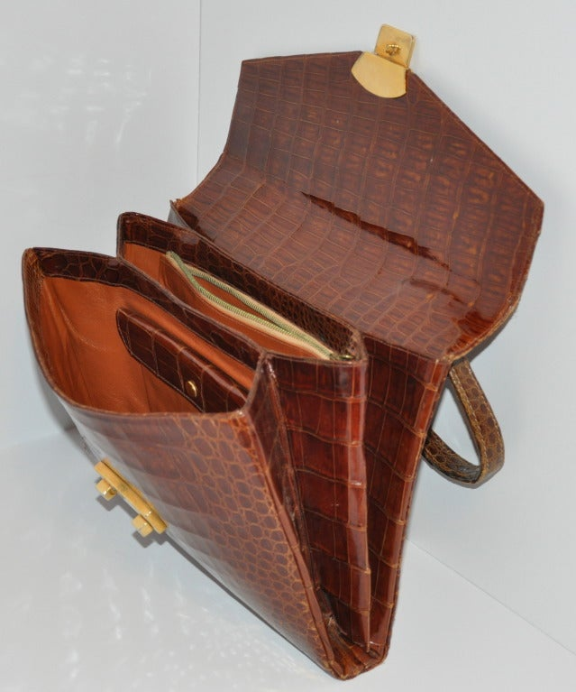 Golden Brown Alligator-Skin Sectional Handbag In Good Condition For Sale In New York, NY