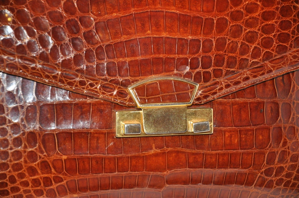 Women's Golden Brown Alligator-Skin Sectional Handbag For Sale