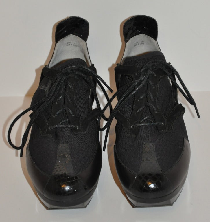 Yohji Yamamoto Black and white Cut-out shoes 2