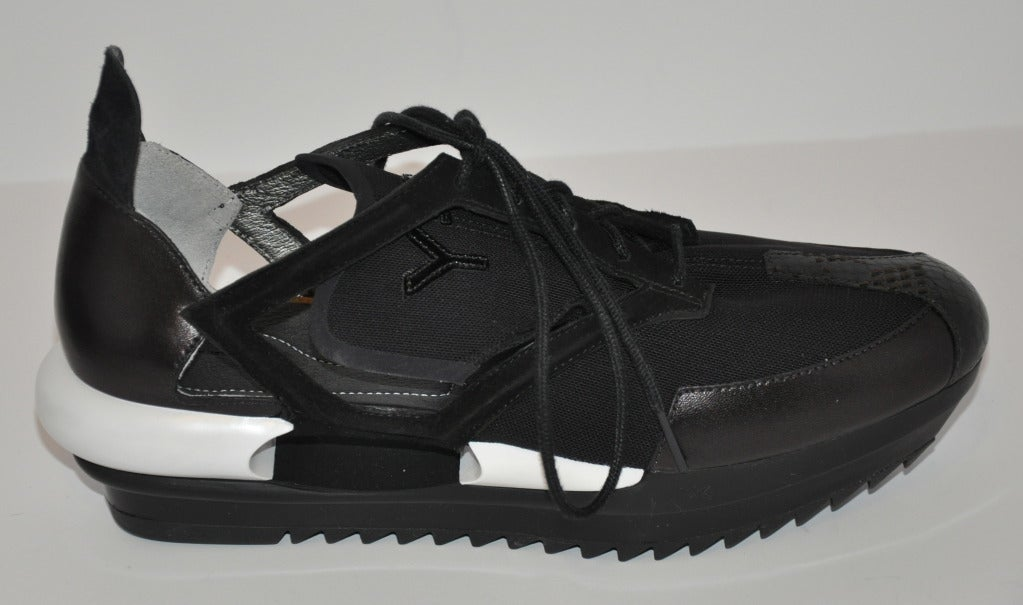 Yohji Yamamoto Black and white Cut-out shoes 4