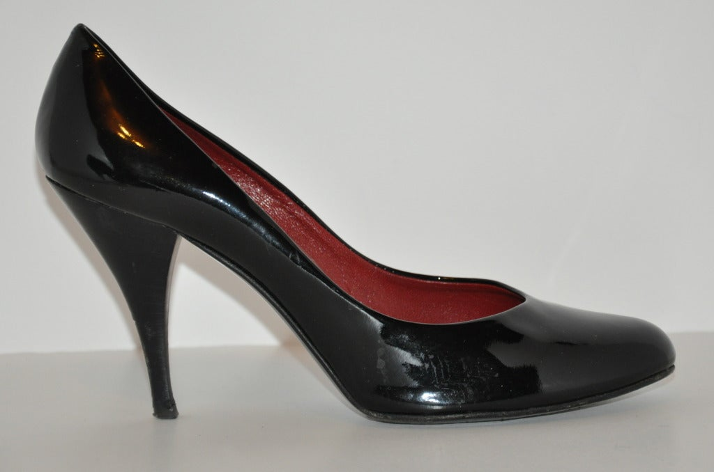 Pierre Hardy Black Patent Pump In Excellent Condition For Sale In New York, NY
