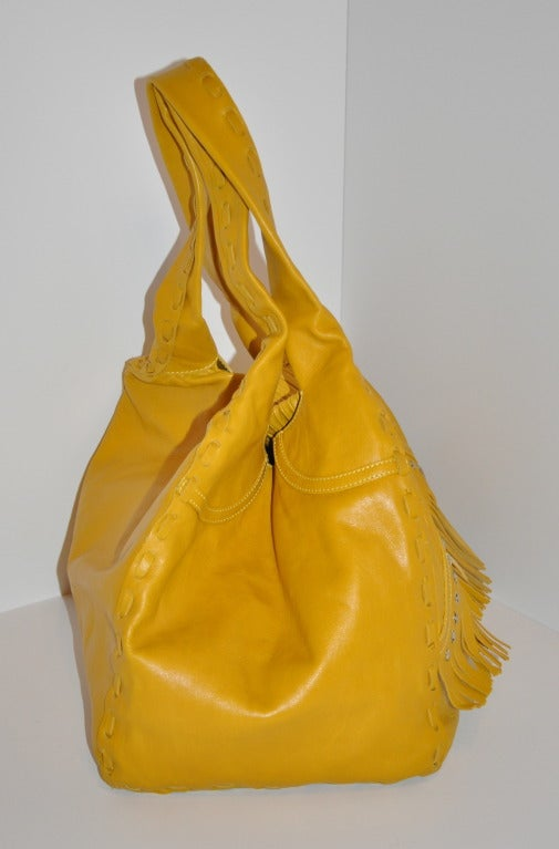 Jimmy Choo Banana-Yellow Huge Leather fringe Tote Bag In Excellent Condition For Sale In New York, NY