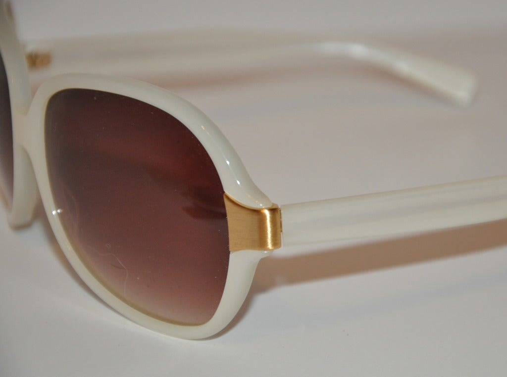 Brown Oliver Peoples Pearl and Gold Sunglasses For Sale