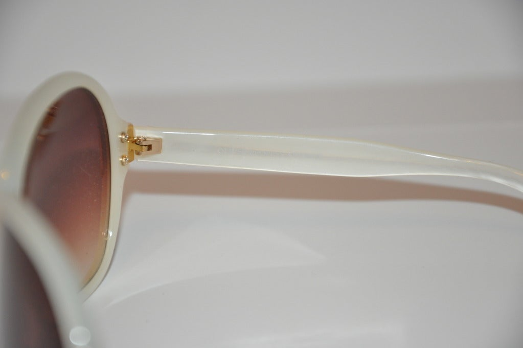 Women's Oliver Peoples Pearl and Gold Sunglasses For Sale
