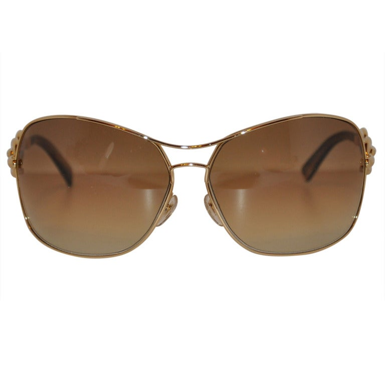 93f8a32f9924e Gucci Signature Logo Gilded Gold Bold Sunglasses For Sale at 1stdibs