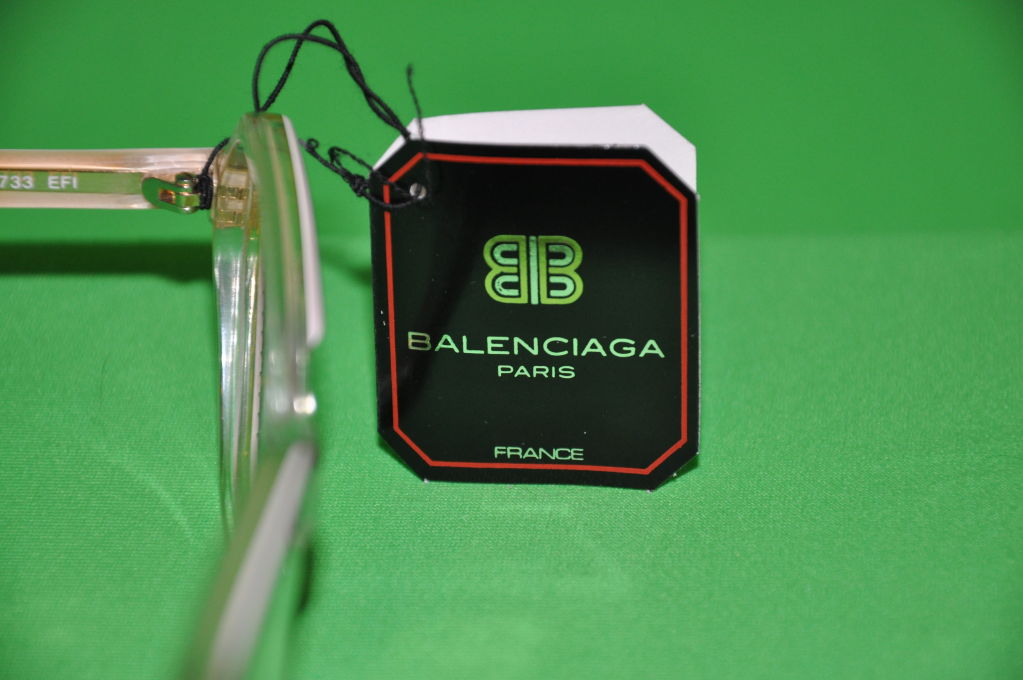 Balenciaga clear lucite with Tortoise detail glasses For Sale 1