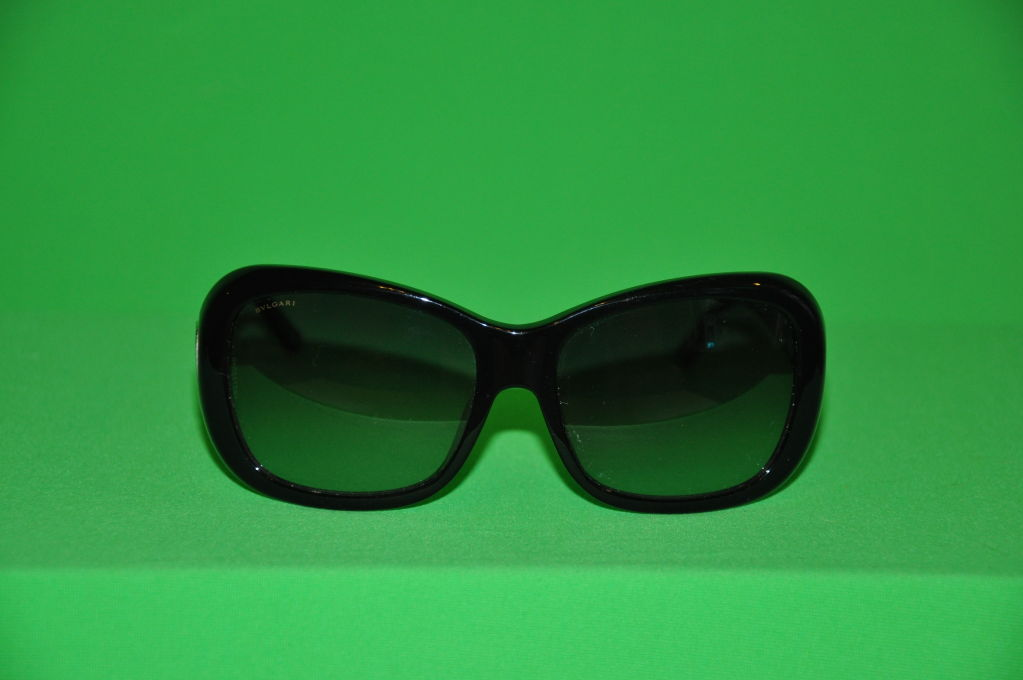 Bulgari black lucite sunglasses with tinted lens las signature