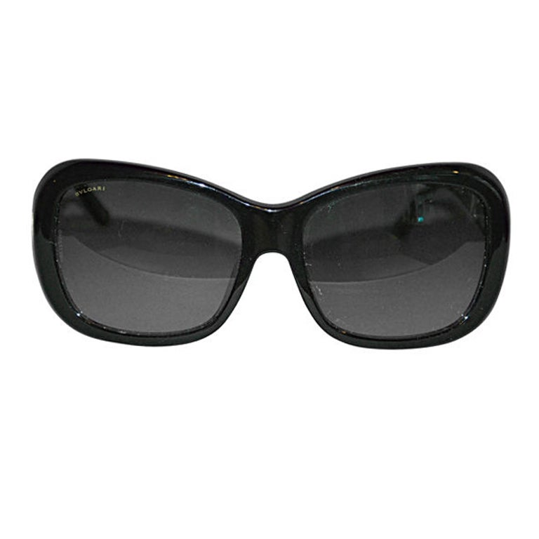 Bulgari black sunglass with signature logo For Sale