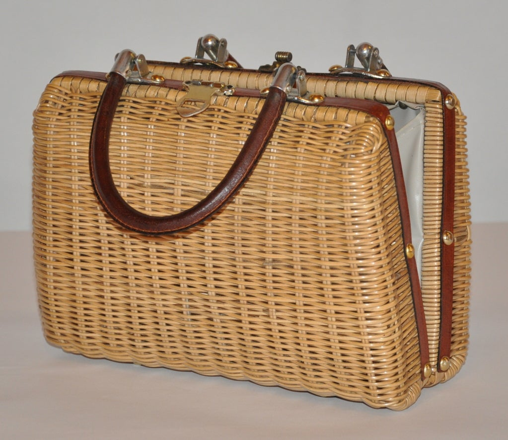 Natural Wicker Handbag With Leather And Gold Hardware At