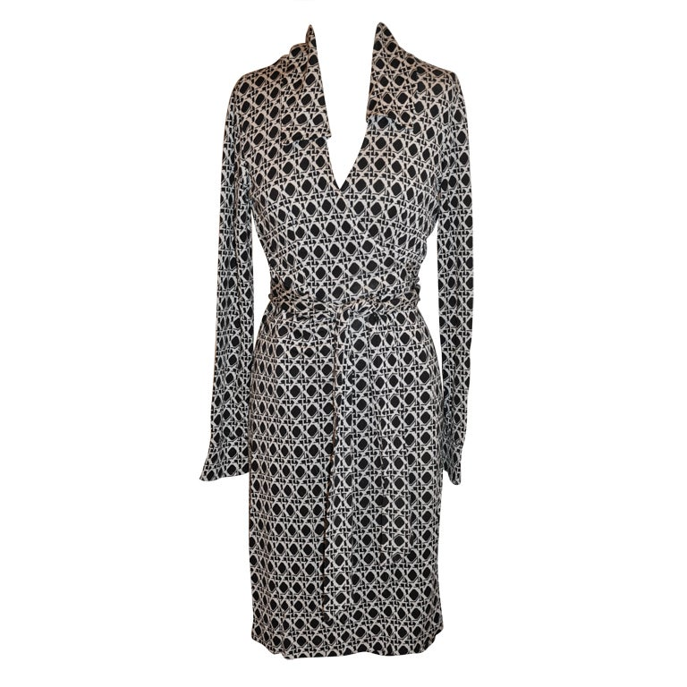 Diane Von Furstenberg Black And White Classic Wrap Dress