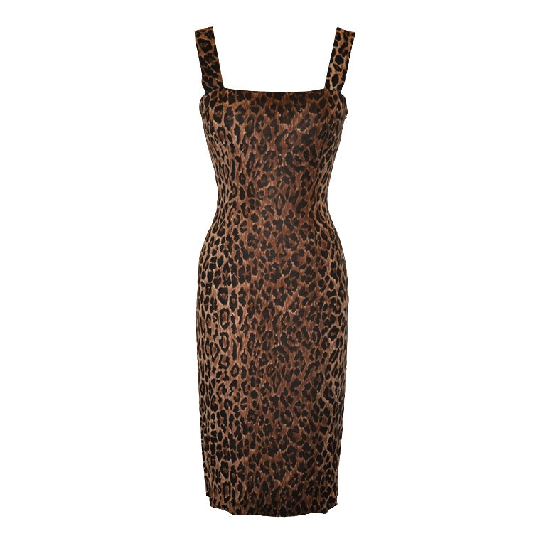 Dolce & Gabbana leopard print body-hugging dress 1