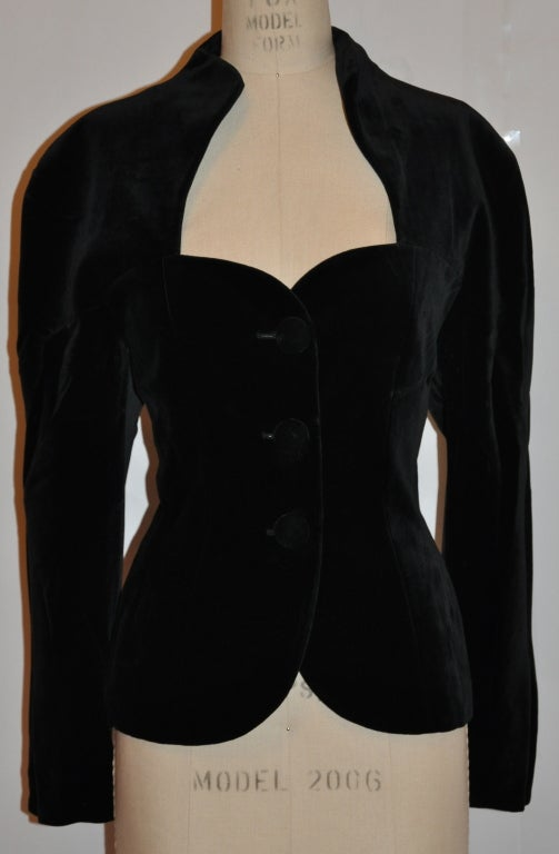 Guy Laroche black velvet sweetheart jacket 2