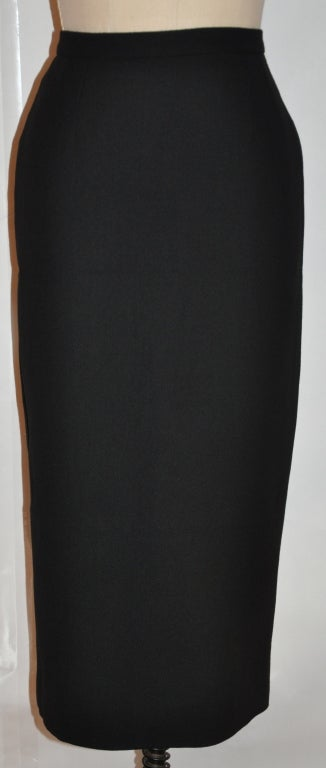 Dolce & Gabbana black form-fitting pencil skirt 2