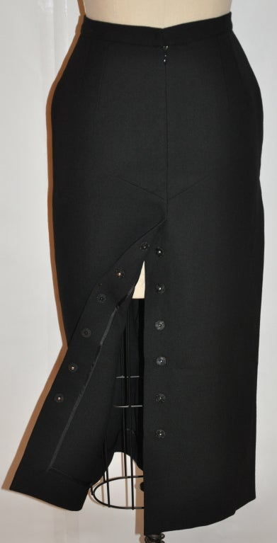 Dolce & Gabbana black form-fitting pencil skirt 3