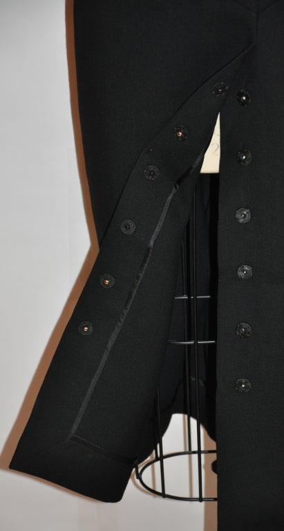 Dolce & Gabbana black form-fitting pencil skirt 4