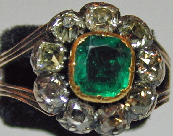 Antique Emerald and Diamond Cluster Ring 2